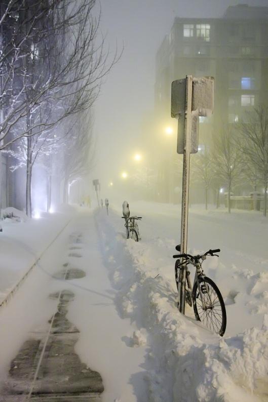 風雪中的街道
