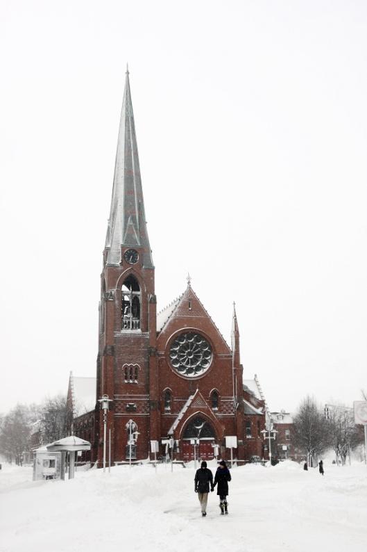 雪中的劍橋第一浸信會教堂