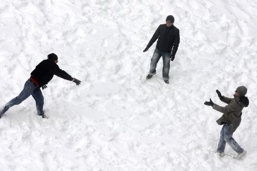 回到宿舍,同學們打起第二場雪仗