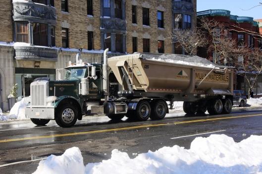 一卡車的雪