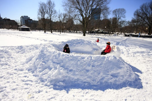 波士頓公園的雪堡,裡面還有雪椅可坐