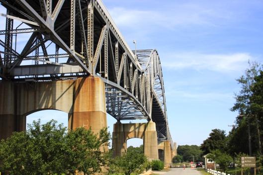 橋下回望波恩大橋