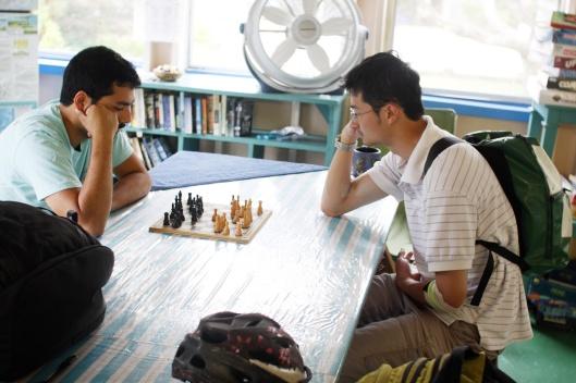Shaiyan和George在玩西洋棋