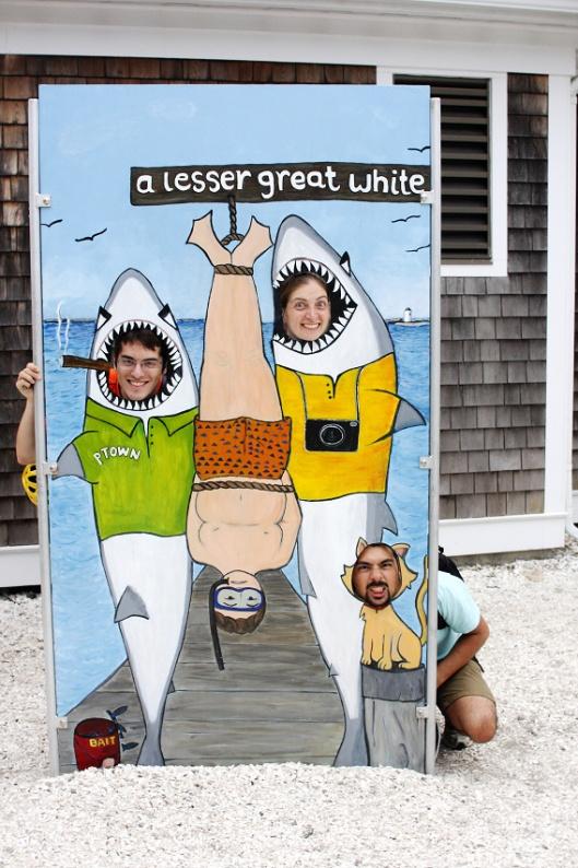 我去水族館把魚通通撈走,只有一種魚撈不走,姓大名叫白鯊,大~白~鯊~
