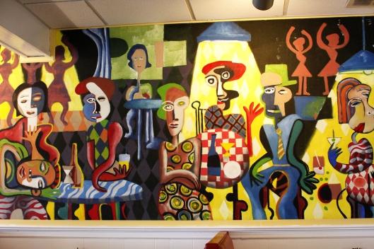 這家餐廳也有奇怪的壁畫XD
