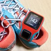 淺藍和紅色配色恰巧與我的TomTom錶帶一樣!